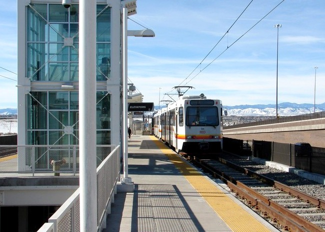 Fastracks I-225 Light Rail System, Denver RTD: Responsible for design and construction support for communications, automated fare collection, signal system network, control center, systemwide electrical and systems integration with signals, traction power substations, overhead contact system, at grade and elevated stations, track, and other transit system LRT and Commuter Rail extensions. Communications included the fiber optic network, SCADA system, CCTV for stations and park-n-ride lots (202 cameras), emergency telephones, public address/variable message sign system.